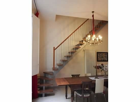 casa ilaria: Steep Stairs