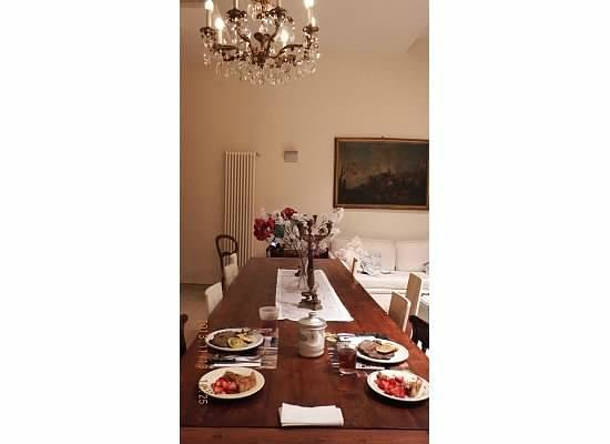 casa ilaria: Dining Table