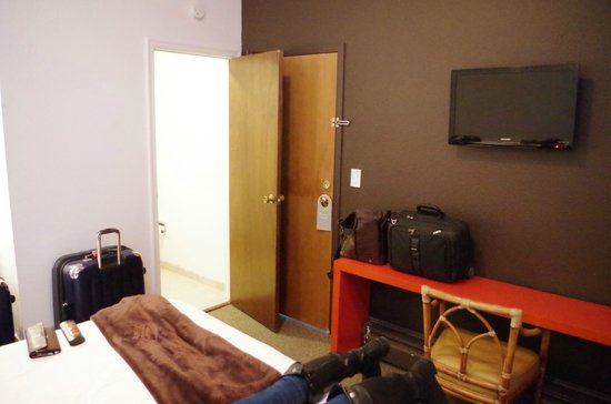 The Metro Hotel: Room (111) in the hotel