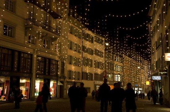 Bahnhofstrasse: Christmas lights