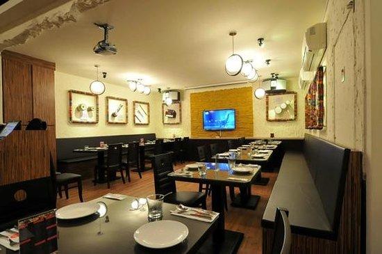 Fusion Asia Indian Restaurant and Bar: The restaurant floor