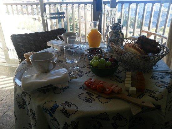 Alodia: Desayuno en la habitación