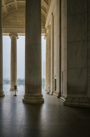 Jefferson Memorial: From near the Jefferson statue looking out