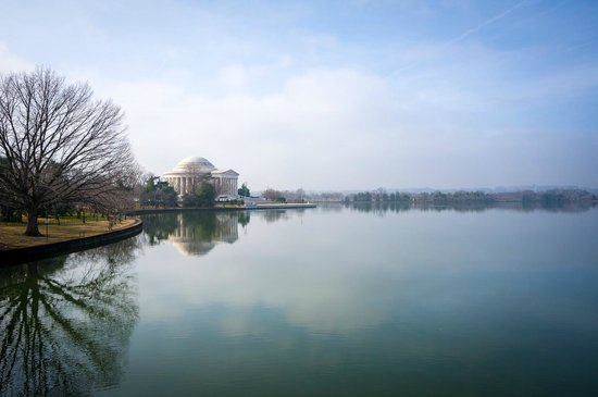 Jefferson Memorial: Looking from across the Tidal Basin