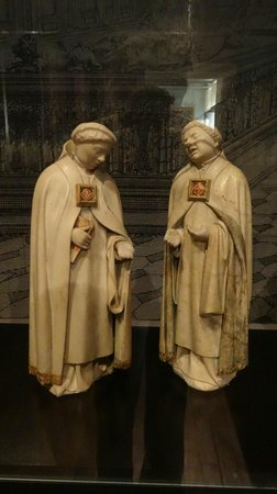 Musée des Beaux-arts de Dijon : trauernde Mönche vor den Gräbern der Herzöge, Musée des Beaux-Arts in Dijon