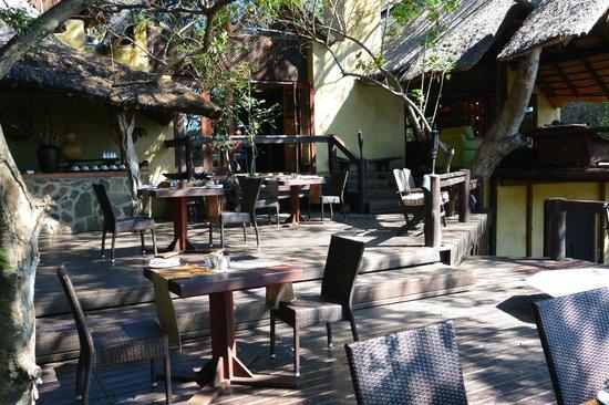 Pondoro Game Lodge: Restaurant area