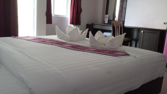 91 Residence Patong Beach: Very big room