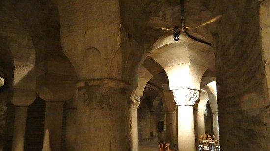 Cathédrale Saint-Bénigne (Dijon Cathedral) : Krypta von Saint Benigne in Dijon