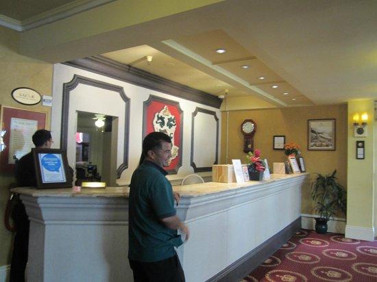 King George Hotel: 호텔로비