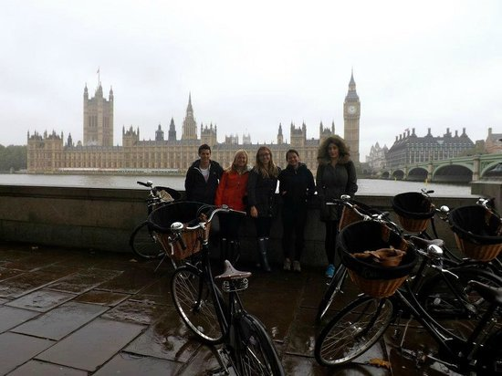 Tally Ho! Cycle Tours: group shot