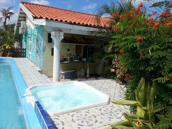 Villa Sunflower: Outdoor lounge area