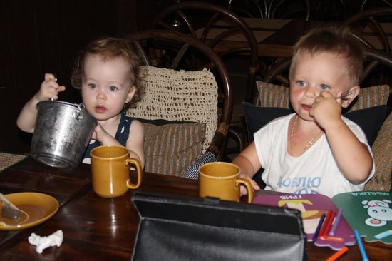 Beach Breeze Guesthouse: Our little customers