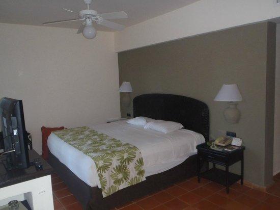 Catalonia Bavaro Beach, Casino & Golf Resort : la chambre de type standard