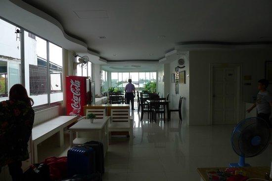Ben's House: Breakfast Area