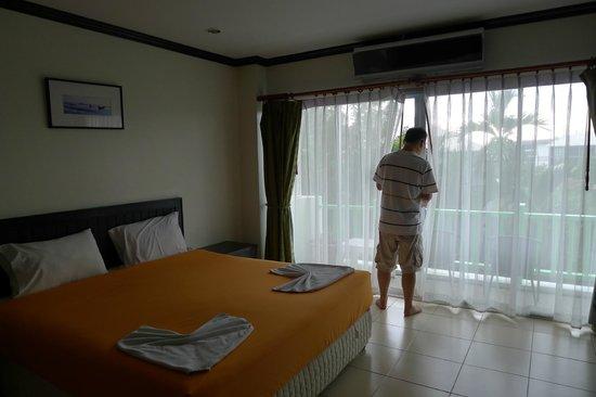Ben's House: Room