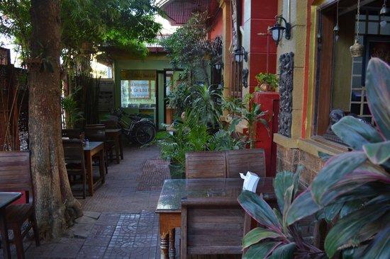 Mingalar Inn : breakfast area