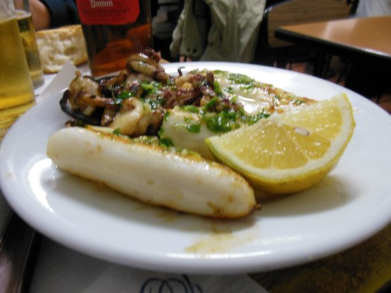 Can Mano: calamari arrosto