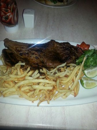 Michelangelo's: Tbone and chips K120