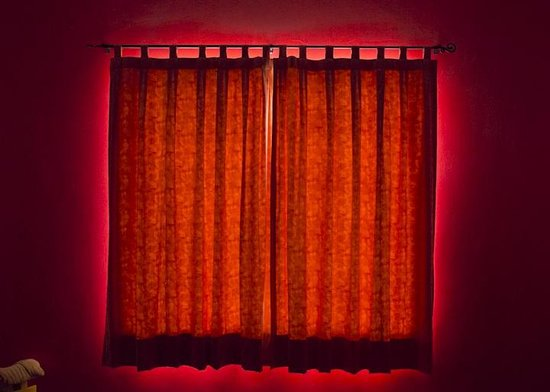Hostal B&B Dos Fridas y Diego : just like this photo of our room curtains. you're welcome.