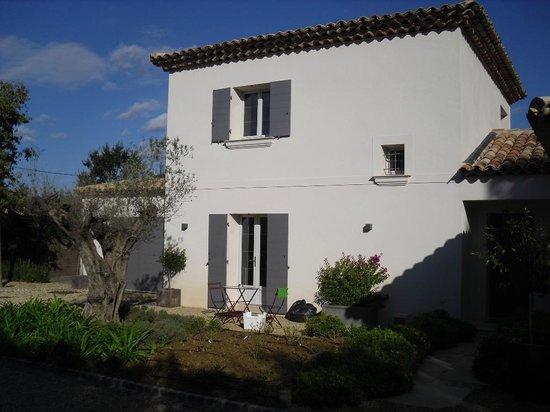 Villa Casabianca von vorne