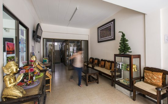 Varada Place: Lobby
