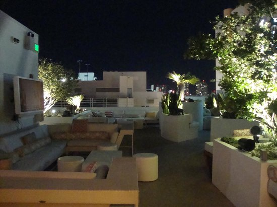 Dream South Beach: rooftop lounge area