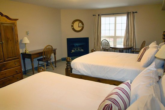 Seacliffe Inn : Double Queens Available - Lakeview or Non
