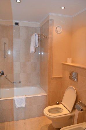 ILUNION Aqua 4 : nosso banheiro
