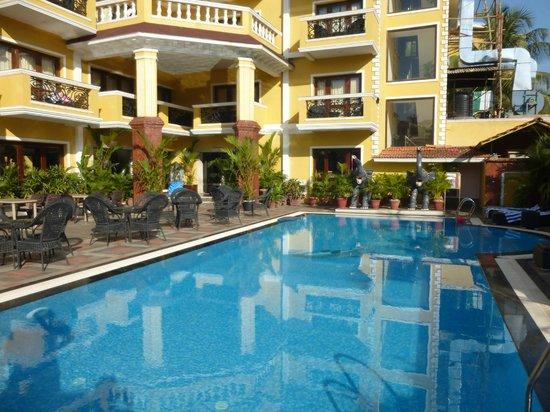De Alturas Resort: территория маленькая, но уютная и красвая