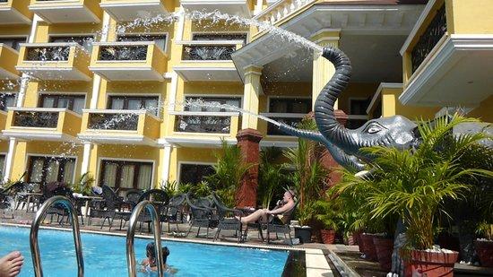 De Alturas Resort: открыли фантанчик