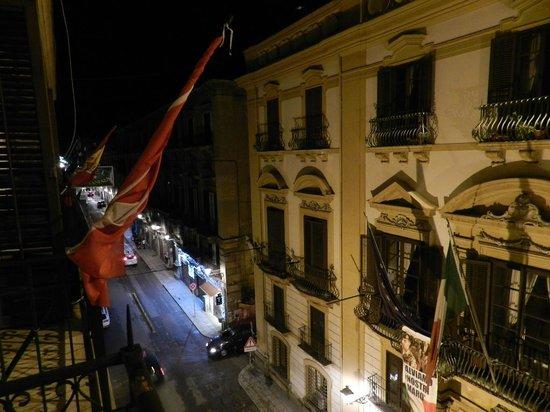 Hotel Alessandra: Panorama notturno dalla camera