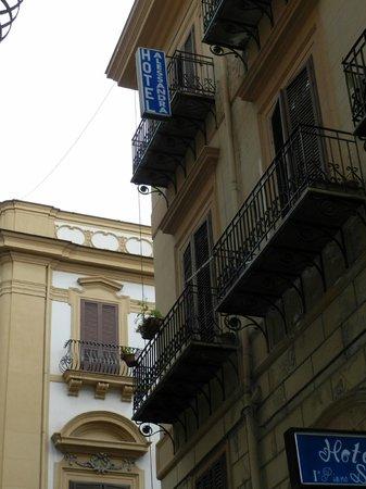 Hotel Alessandra: Esterno