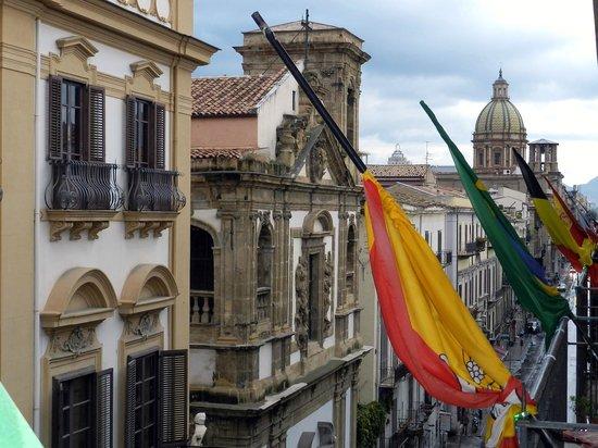 Hotel Alessandra: Panoramica lato destro