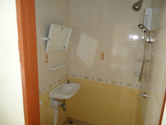 Hotel The California: Bathrooms