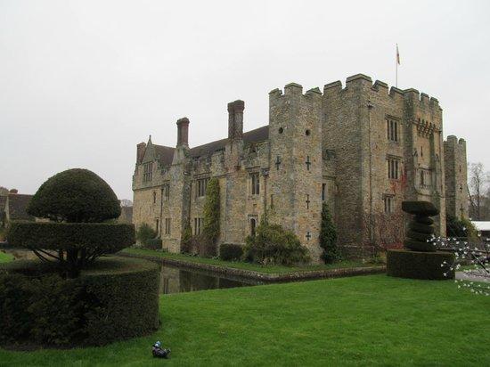Hever Castle & Gardens : castle