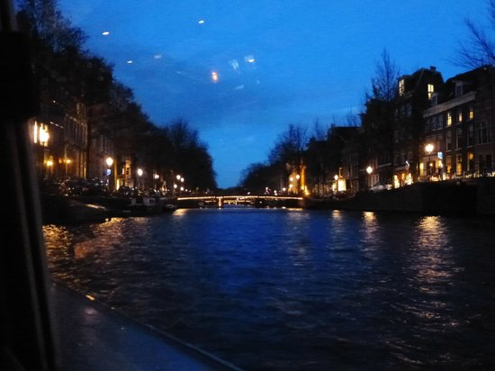 Hop On Hop Off: canals by night