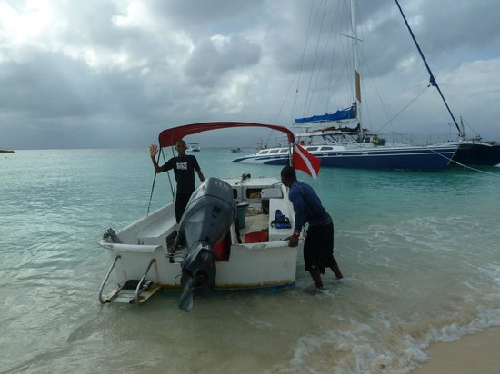 Grand Turk Diving : GT Diving - Boat