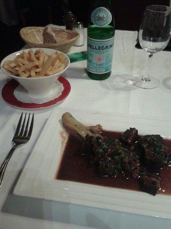 Le Bretagne : Boeuf mijote frites