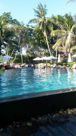 Impiana Resort Patong Phuket: Piscina