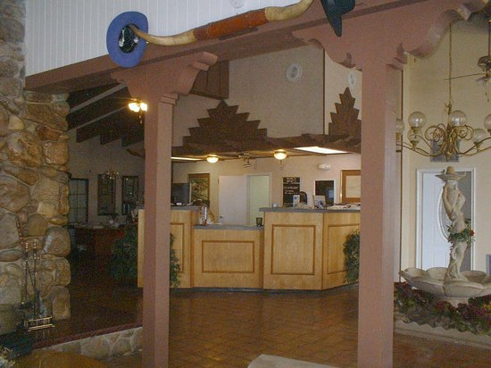 Bay City Inn: Lobby