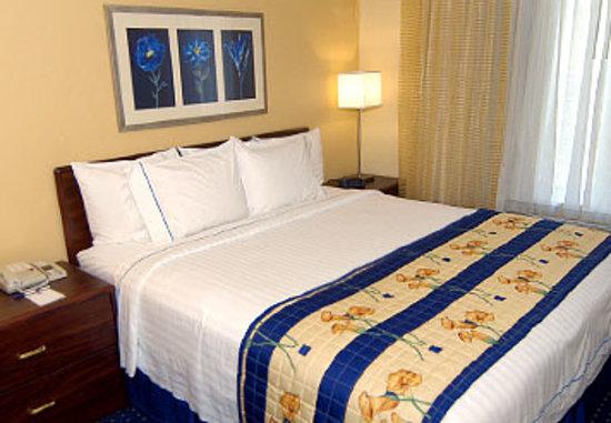 Bay City Inn: Room