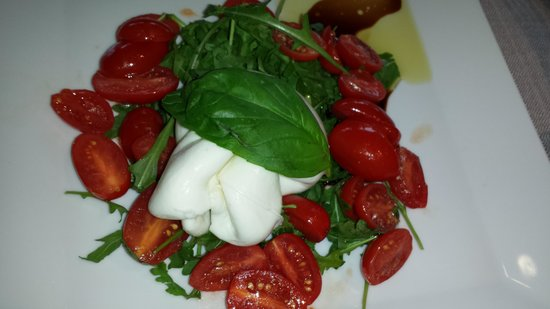 Ciani Lugano: Buffalo mozzarella with arugala - Excellent