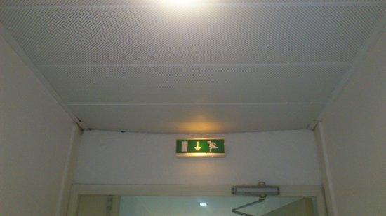 Adagio Marseille Prado Plage: faux plafond entrée