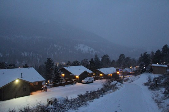 Wildwood Inn nestled on 7 acres bordering RMNP