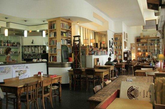 Caff la cupola fotograf a de caffe 39 la cupola varese for Baby arredi