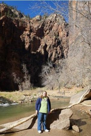 Temple of Sinawava Trail : Beautiful hike through a narrow canyon following the river