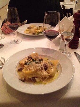 Gallo Nero : tortelini tart. fileto - sehr lecker