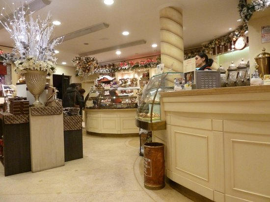 Cioccolateria slitti: interno7