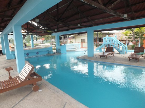 the pool wowwwwwwwww - Picture of Ocean Bay Beach Resort ...