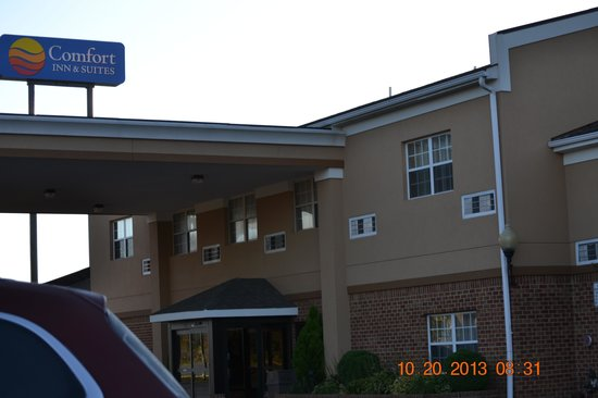 Comfort Inn & Suites: The Motel